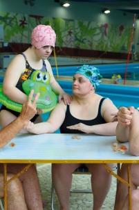 le tricheur à l'as de carreau georges de la tour jeu d'argent pièce en chocolat bonnet de bain piscine camping,handicap Acodège