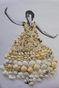 collage de petits matériaux, coquillages,