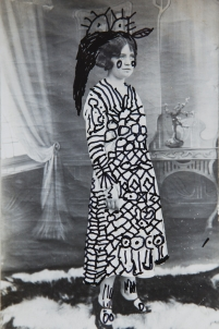 dessin sur photo, noir et blanc, vieille photo, photo ancienne, feutre noir, feutre blanc,