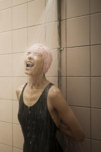 nageuse, baigneuse, bonnet de bain, rose, vintage, rétro, piscine, douche,