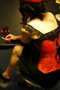 cigarette, laçage corset, café, tasse,
