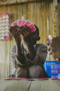 jeu de cartes,mission humanitaire