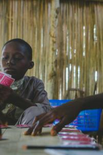 jeu de cartes,mission humanitaire