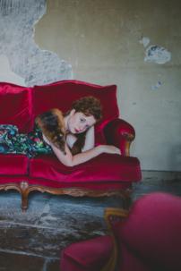 marilyn monroe canapé velours,rousse et rouge