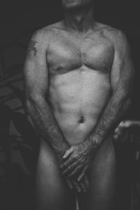 homme original érotique artistique noir et blanc,nu charme
